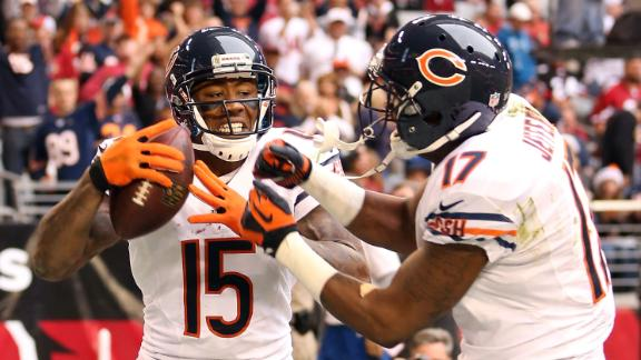 Bears handle Cards to keep alive playoff hopes