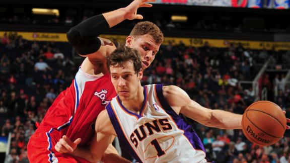 Suns hang on to defeat Paul-less Clippers