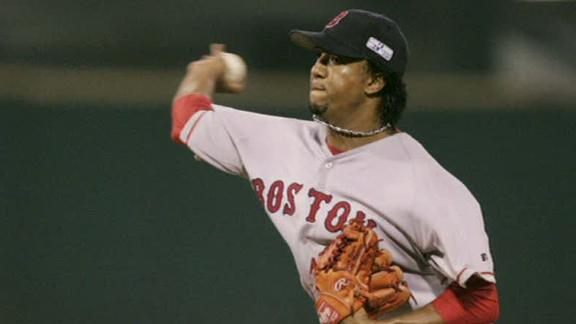 Pedro Martinez rejoins Sox as assistant to GM