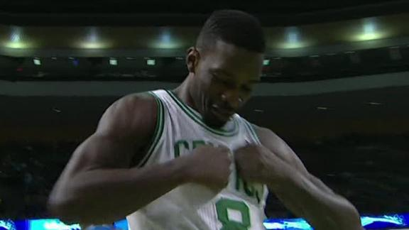 Video - Green's Ferocious Dunk In The Face Of Vucevic