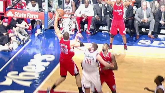 Video - Blake Griffin Switches Hands On Huge Slam