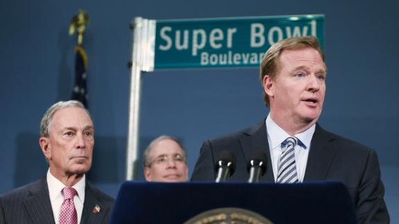 Report: NFL mulling 2014 SB backup plans