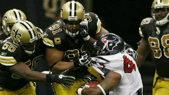 Saints want to keep veterans Vilma, Smith