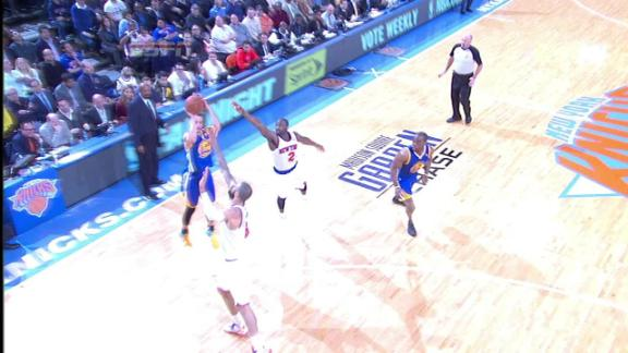 Curry erupts for 54 but Warriors fall to Knicks