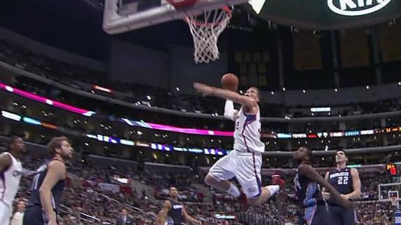 Griffin leads surge as Clippers trounce Bobcats