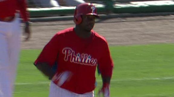 Howard hits 1st homer of spring to power Phils