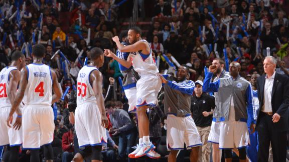 Turner, Holiday help 76ers snap losing skid