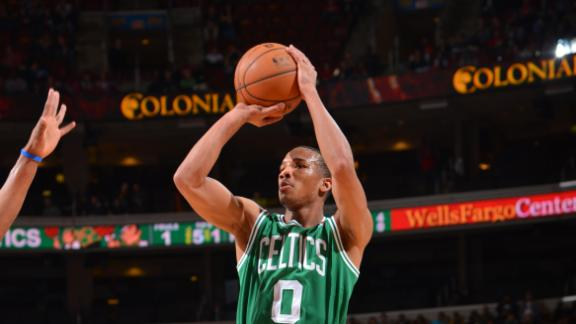Pierce, Bradley lead Celts past slumping 76ers