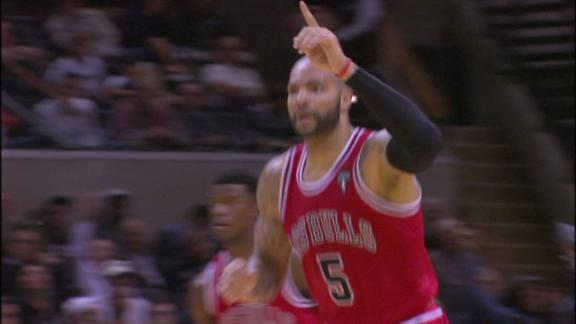 Video - Boozer Extends Bulls' Lead