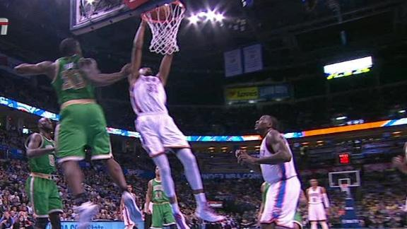 Video - Kevin Durant Dunk And Foul