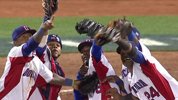 Dominican Republic rallies to reach WBC final
