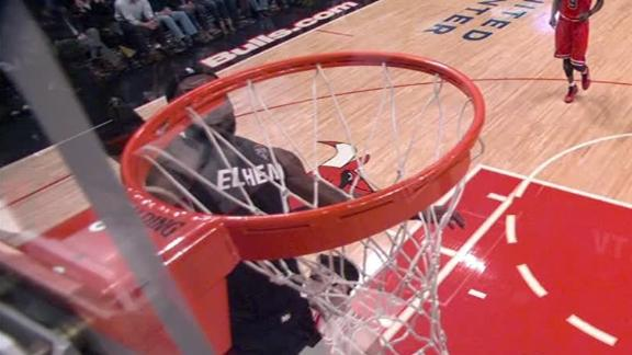 Video - Wade Alley-Oop To LeBron