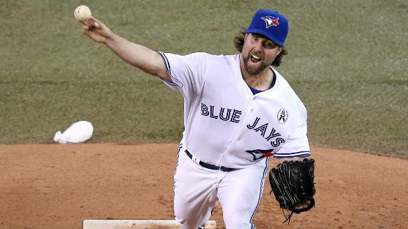 Cy Young winner Dickey, Jays lose opener