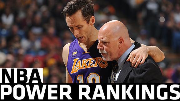 Kobe has triple-double as Lakers top Mavs