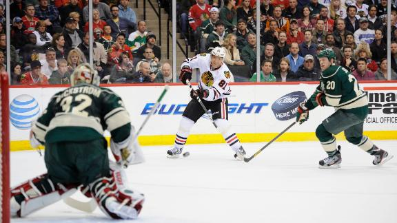 Dm_130409_nhl_blackhawks_wild