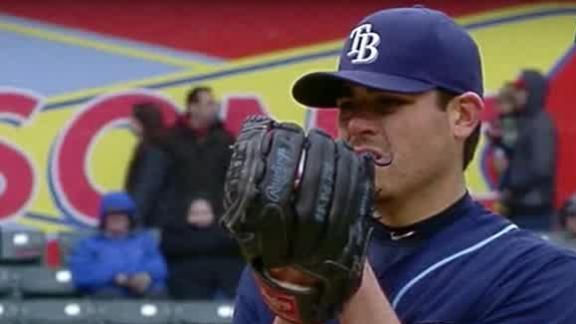 Moore, Rays edge Rangers in chilly Texas