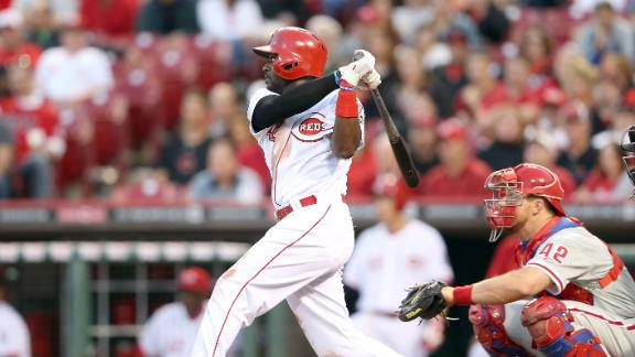 Phillips' clutch hit ends Reds' five-game skid