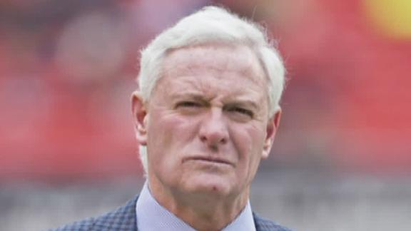 Browns' Haslam won't step aside amid probe