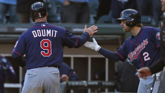 Twins capitalize on error, defeat White Sox