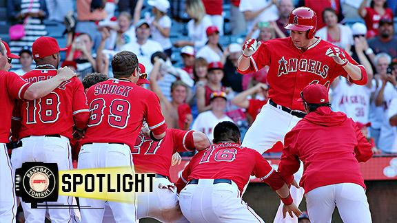 Angels outlast Tigers on Trumbo walk-off HR