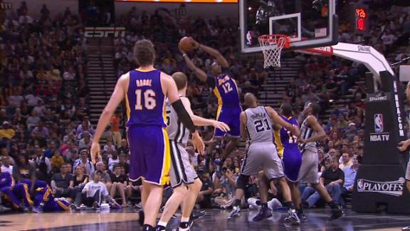 Video - Gasol to Howard alley-oop