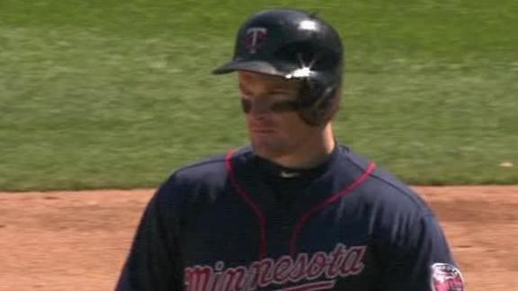Willingham helps Twins extend streak to four