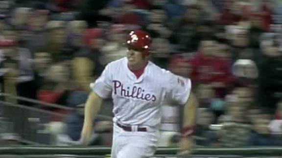 Phillies hold off Pirates in Pettibone's debut