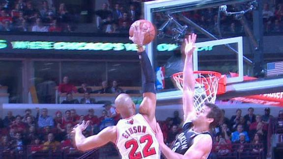 Video - Gibson Flies Over Humphries
