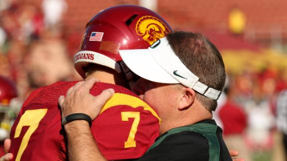 Eagles trade up, take Trojans QB Barkley