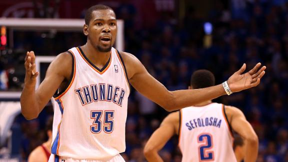 Video - Kevin Durant Out Of Sync In Fourth