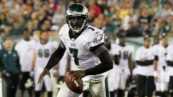 Video - Vick Beats McCoy In 40-Yard Dash