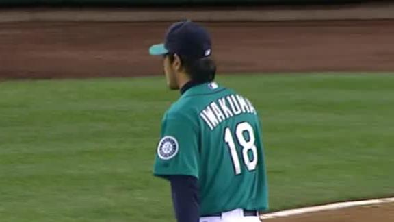 Iwakuma impresses as Mariners down A's