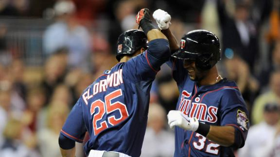 Hicks' bat, glove carry Twins past White Sox