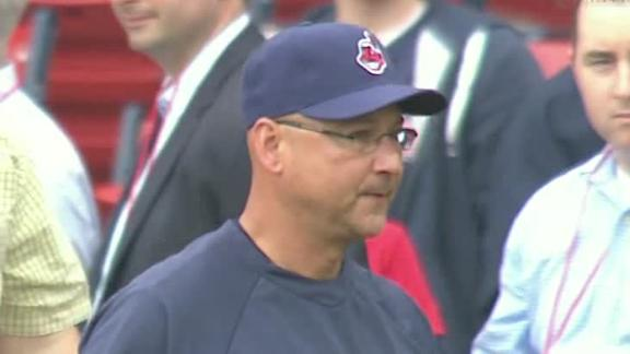Indians cruise in Francona's Fenway return