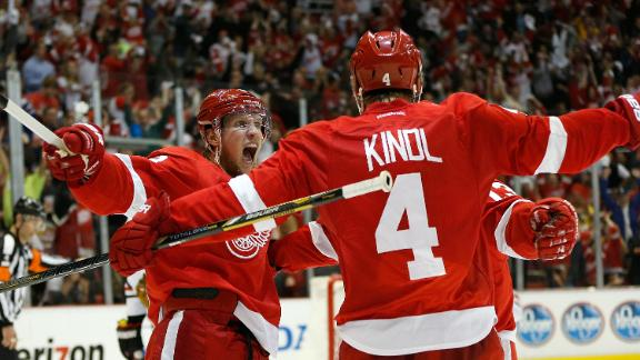 Red Wings Blank Blackhawks