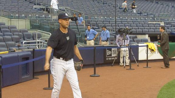 Video - Derek Jeter Throws Long Toss Before MNB