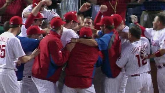 Mayberry's walk-off slam in 11th lifts Phils