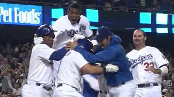 Puig homer ties game, Dodgers win in 10th