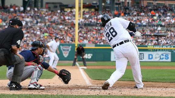 Fielder, Tigers increase lead over Indians