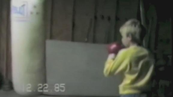 Video - Reds Pitcher Bronson Arroyo working out as an 8 year old