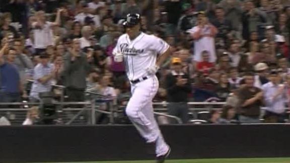 Forsythe, Venable help Padres hold off Atlanta