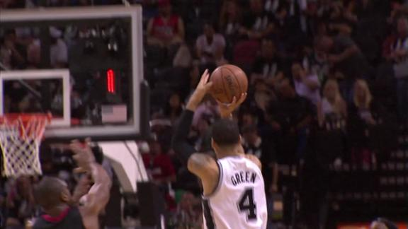 Video - Danny Green Breaks Record