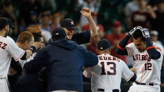 Astros win in 10th on Pena's walk-off homer