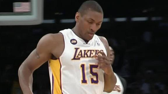 World Peace won't opt out of Lakers deal