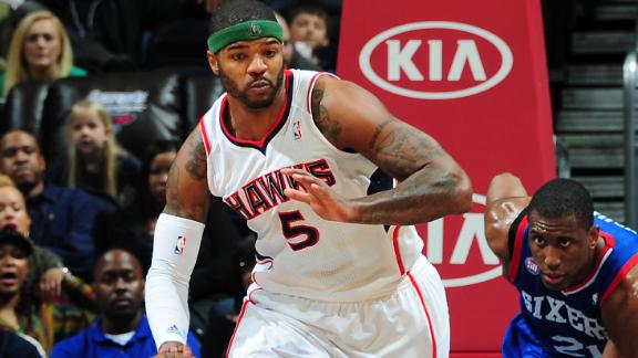 Josh Smith meets with Pistons, sources say