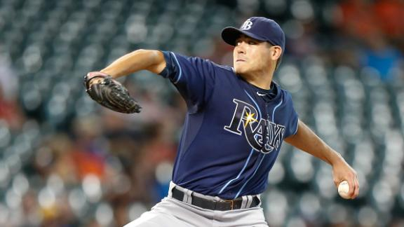 Moore wins 11th as Rays dominate Astros