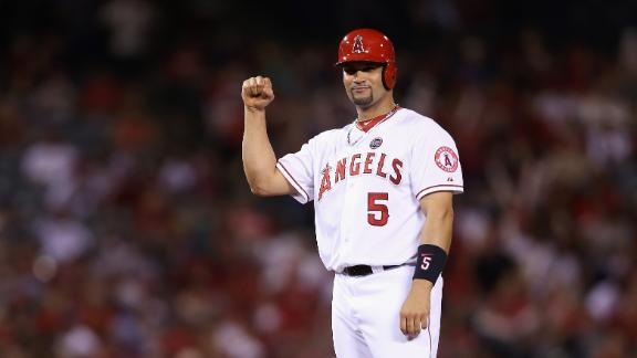Angels prevail in Pujols' 1st game vs. Cards