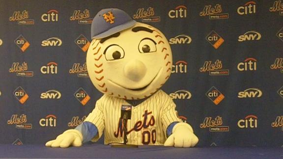 Video - Exclusive interview with Mr. Met
