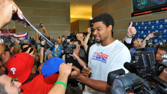 Sources: Mavs in careful pursuit of Bynum