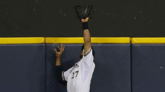 Stunning Gomez catch rescues Brewers' win